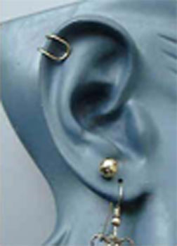 Prestons Gold Wire Ear Cuff Jewelry Pattern no.49- 4 Steps and 4 Photos. In this jewelry pattern Preston shows you how to make a simple ear cuff from any jewelry wire.